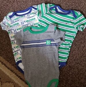 Tommy Hilfiger 3 Piece Lots Onesis 3-6 months